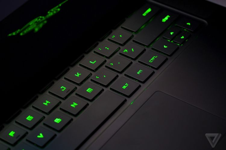 RAZER BLADE GAMING LAPTOP game computer (15) wallpaper