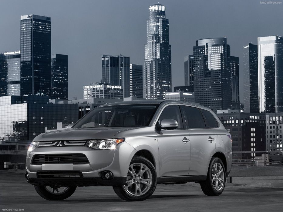 2014 Mitsubishi Outlander suv wallpaper