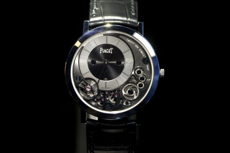 PIAGET watch time clock bokeh (23) wallpaper
