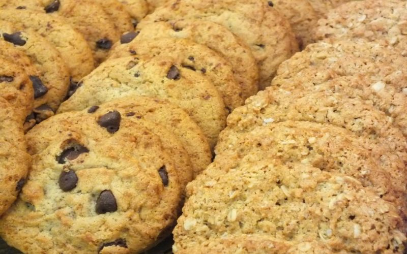 Chocolate Chip Oatmeal Cookies wallpaper