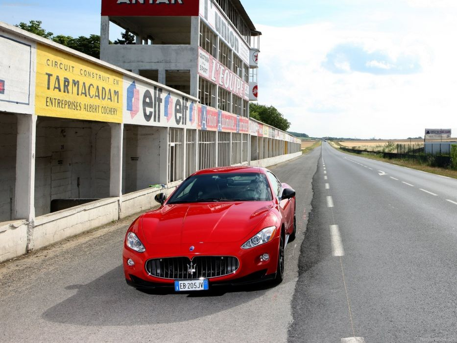 2010 Maserati GranTurismo S Automatic v8 coupe supercars wallpaper