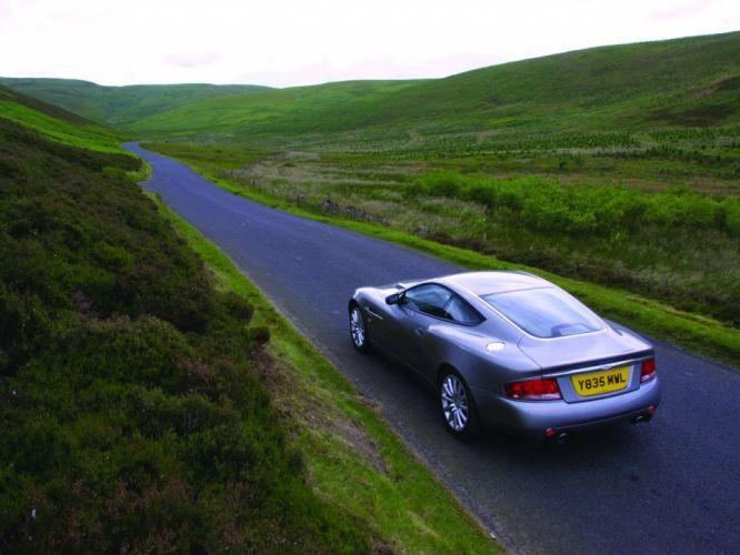Aston Martin V12 Vanquish coupe 2001 wallpaper