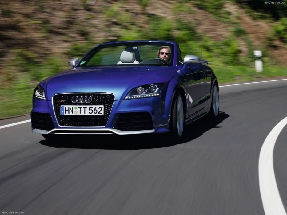Audi TT RS Roadster 2010 wallpaper