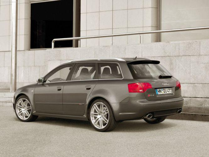 Audi RS 4 Avant 2006 wallpaper