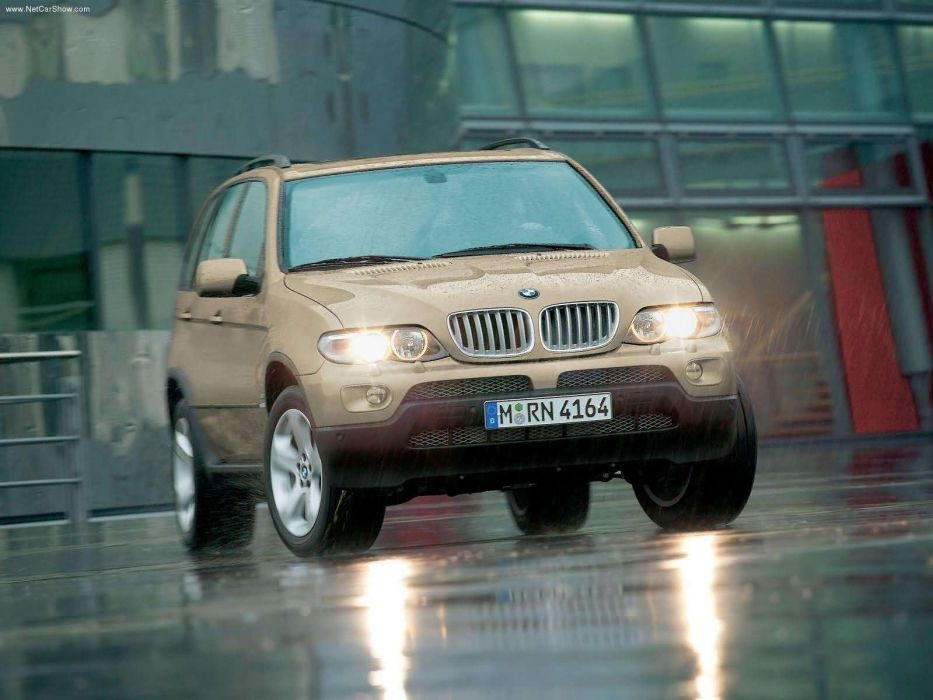 BMW X 5 44i 2004 suv wallpaper