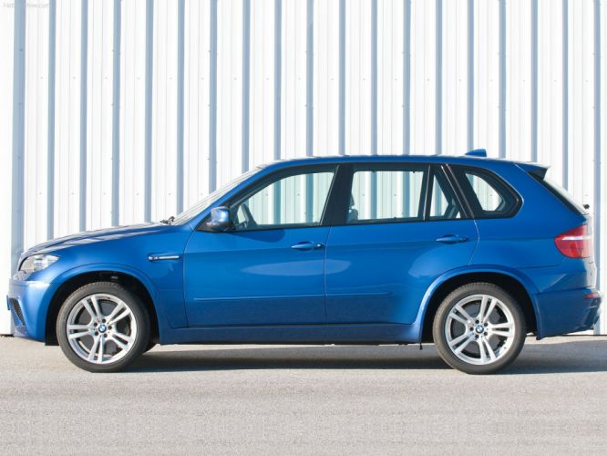 BMW X5 M 2010 suv wallpaper