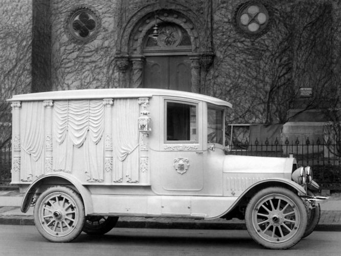 1914 Cunningham Carved-Panel Hearse retro f wallpaper