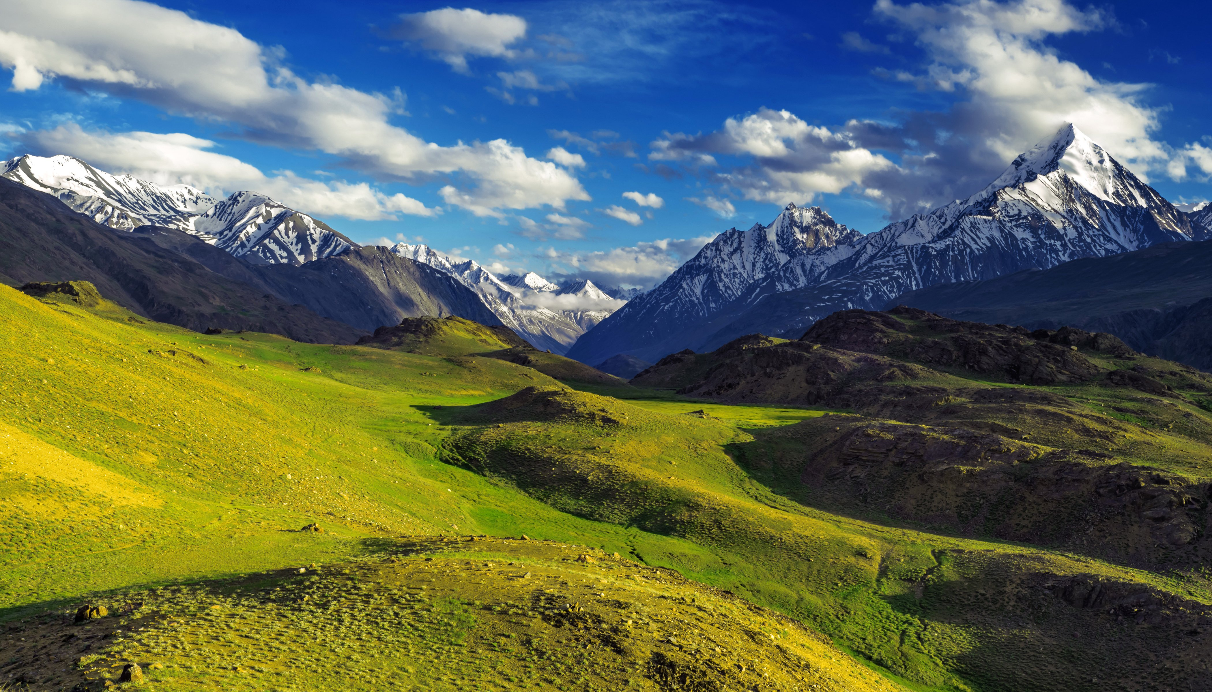 india scenery mountains himalayas clouds nature wallpaper