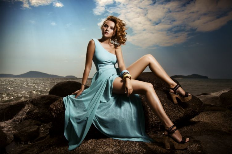 girl beautiful dress figure photo shoot stones sea model wallpaper
