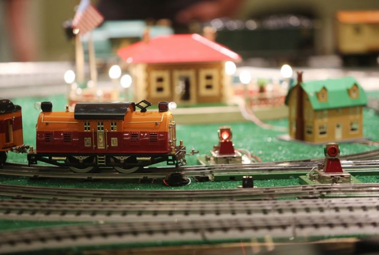 MODEL-TRAIN train toy model railroad minature trains tracks wallpaper