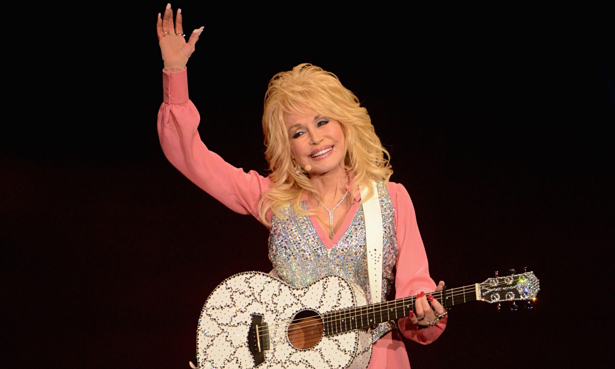 Dolly parton tongue cell phone