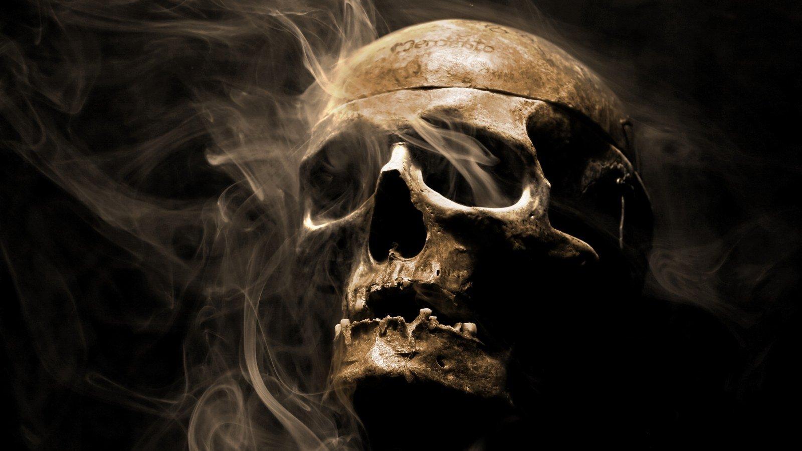 horror skull wallpaper 1600x900 424144 wallpaperup