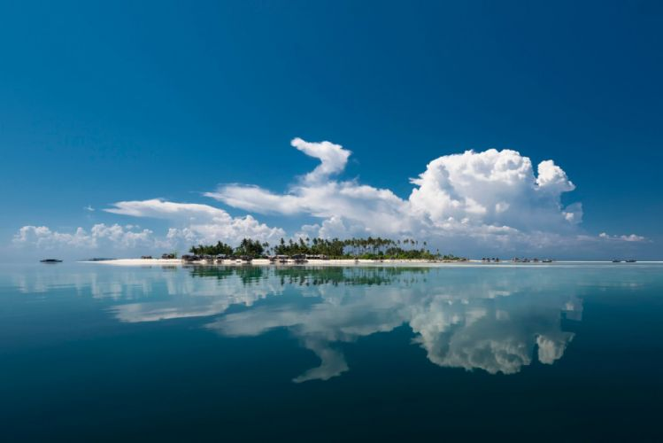 clouds reflection island sea wallpaper