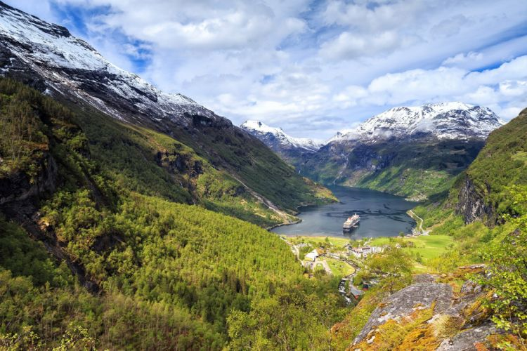 Geiranger fjord mountains ships landscape ff wallpaper