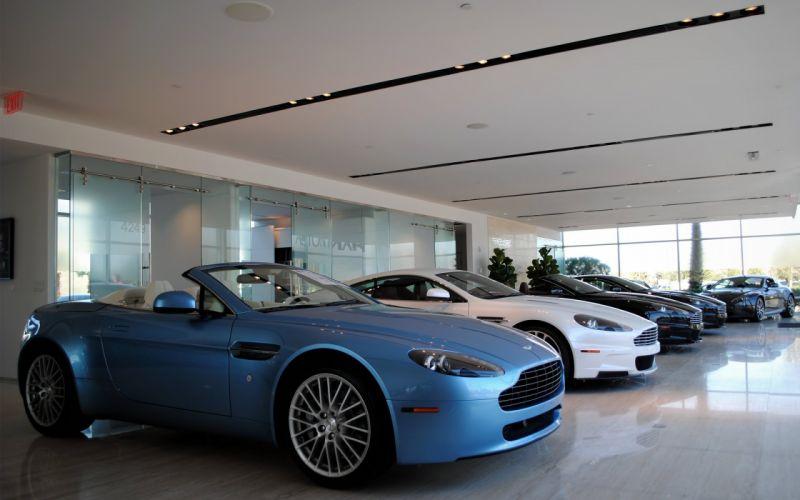 Aston Martin Vantage Roadster & Friends wallpaper