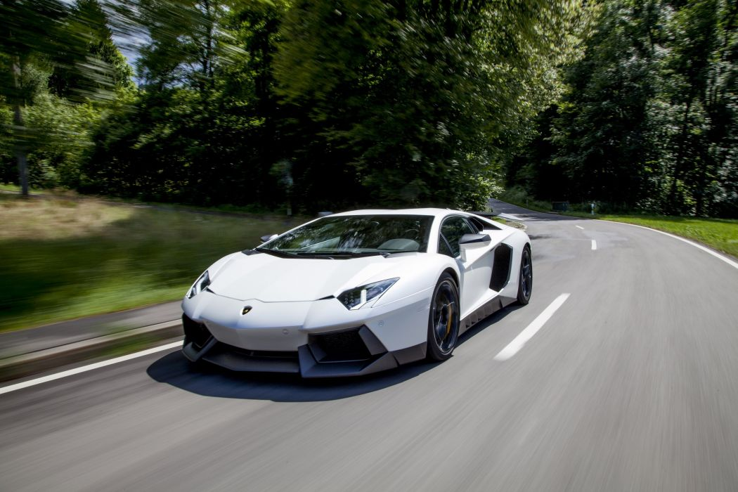 Lamborghini Aventador LP 700 4 wallpaper