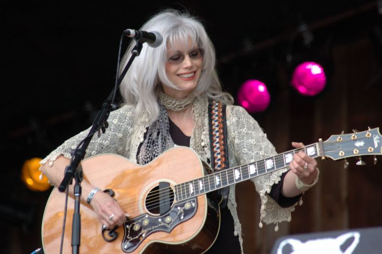 EMMYLOU HARRIS countrywestern country concert guitar wallpaper