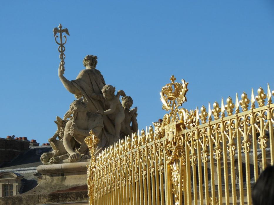 CHATEAU de VERSAILLES palace france french building fence statue wallpaper