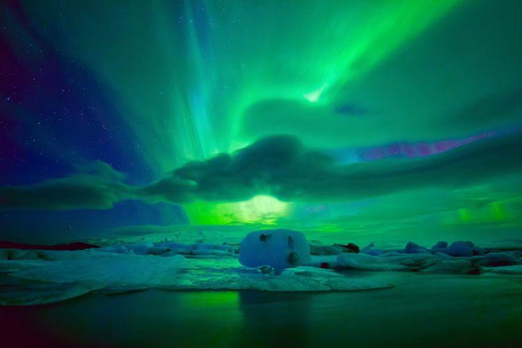 stars clouds sky nighttime northern lights wallpaper