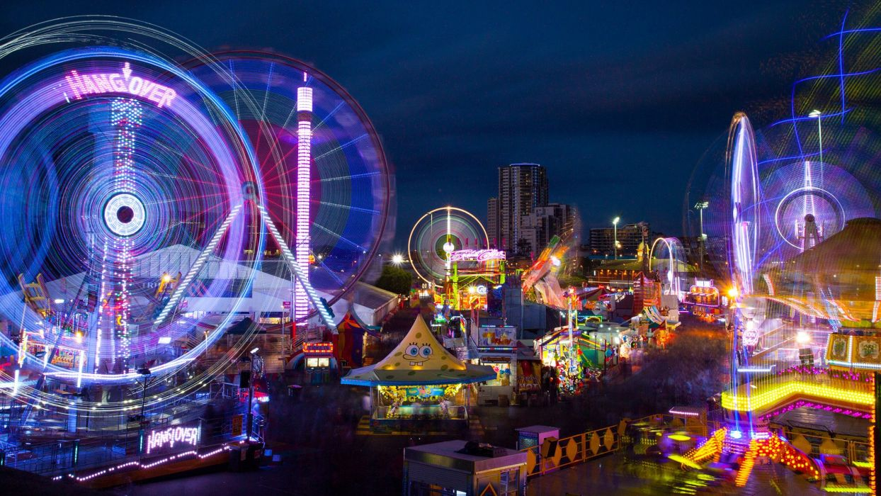 South East Queensland light trails amusement park wallpaper