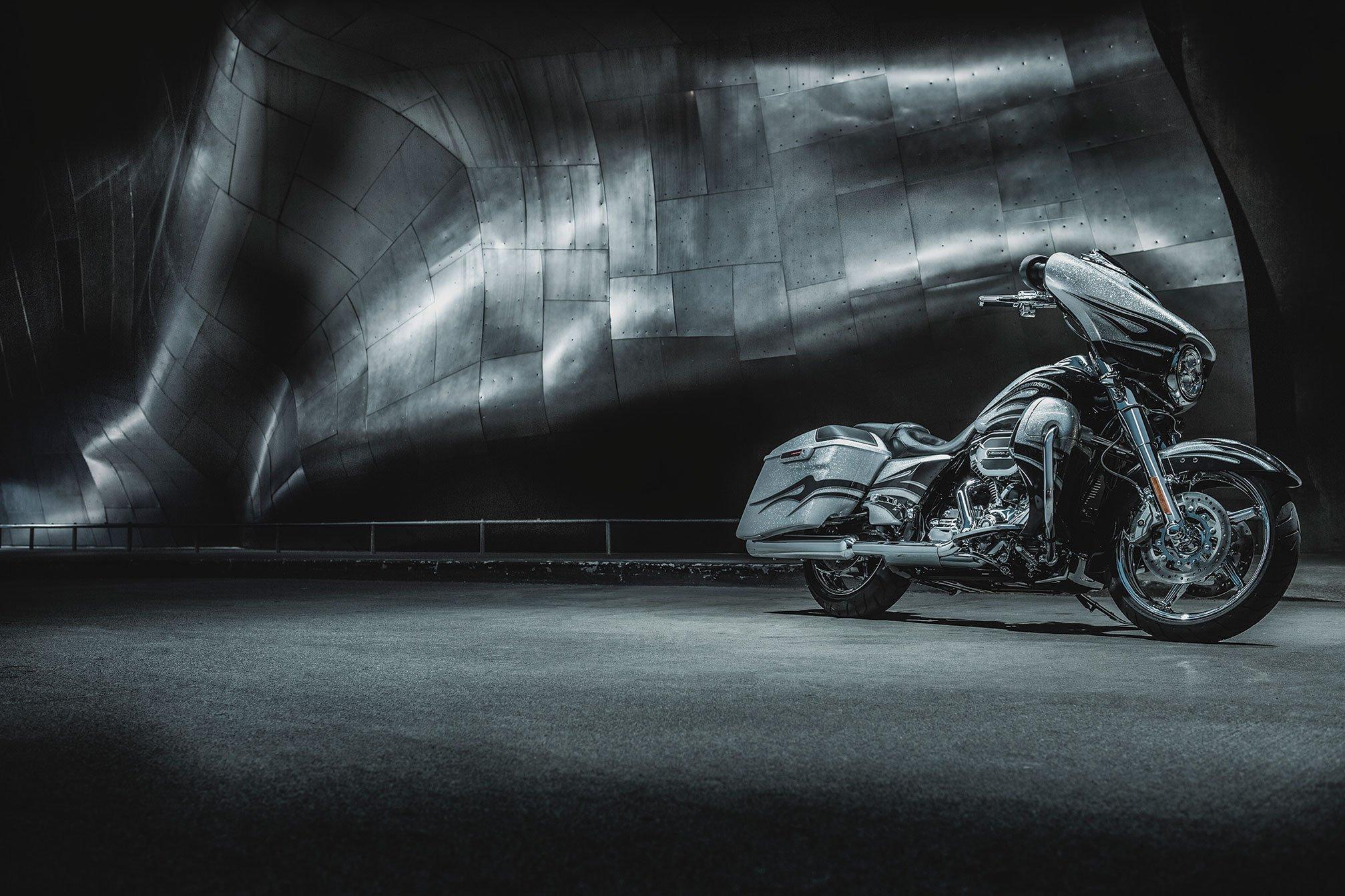 2015 Harley Davidson FLHXSE CVO Street Glide G Wallpaper