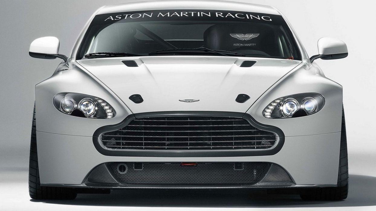 Aston Martin Vantage GT4 2011 wallpaper