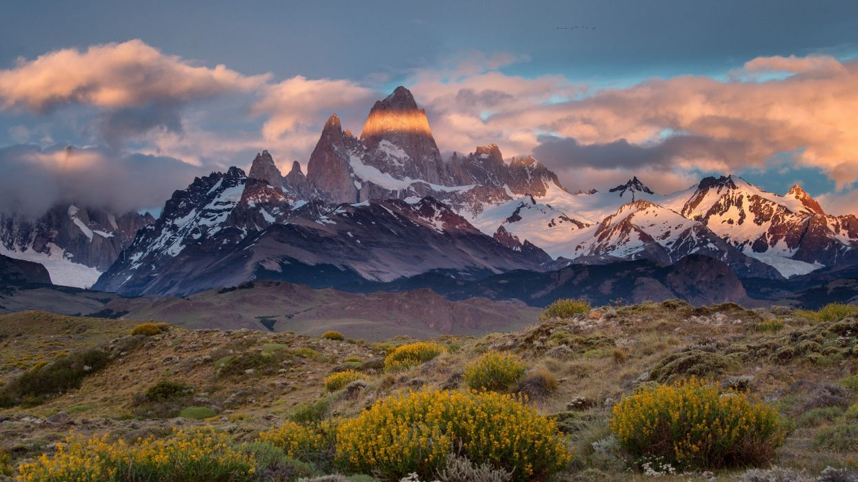 Argentina Chile border Patagonia Monte desert Mount Fitz Roy wallpaper