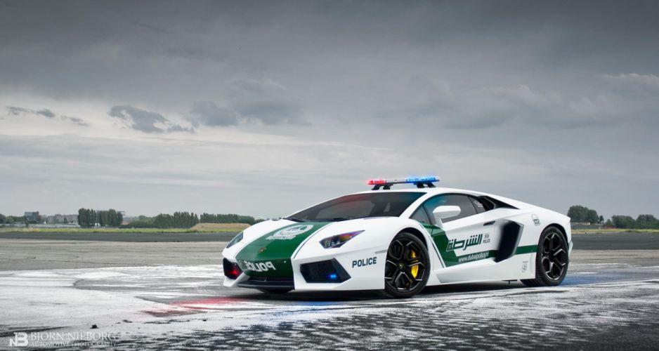 Lamborghini Aventador LP700-4 Dubai Police Car supercar emergency wallpaper