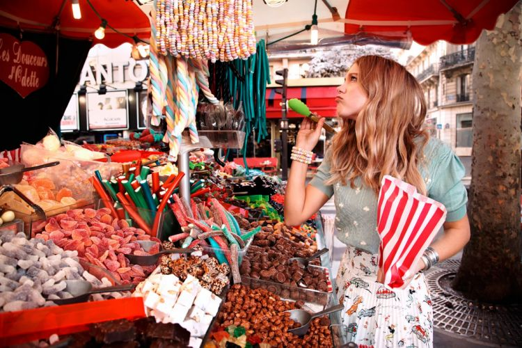 Lea Seydoux shopping sweets ASOS candy babe model wallpaper