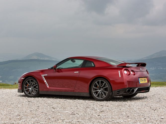 2014 Nissan GT-R UK-spec (R35) gtr wallpaper