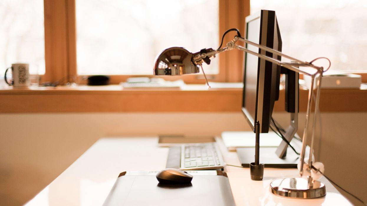 desk lamp mouse keyboard computer wallpaper
