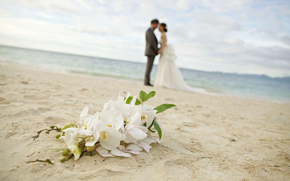 couple love merrid sea beach forever wallpaper