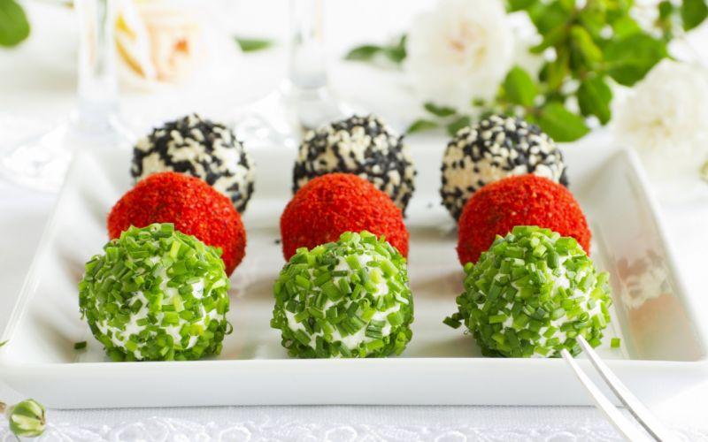 food balls delicates green red white wallpaper