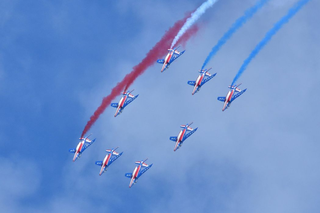 Air aircraft aviation contrails force France patrouille jet alpha acrobatic wallpaper