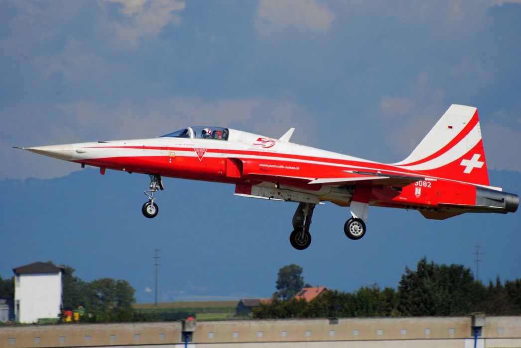 Air aircraft aviation Patrouille Suisse jet acrobatic Northrop F-5 Freedom Fighter wallpaper
