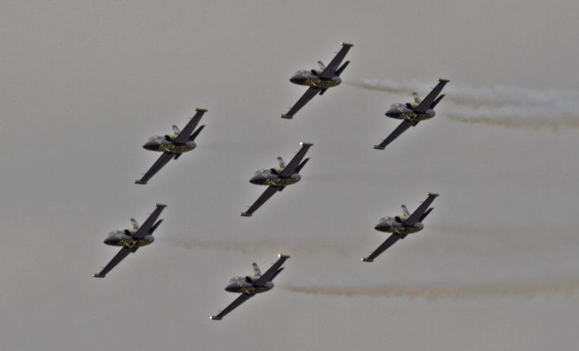 Aero L-39 Albatros Breitling Jet Team acrobatic aircrafts wallpaper