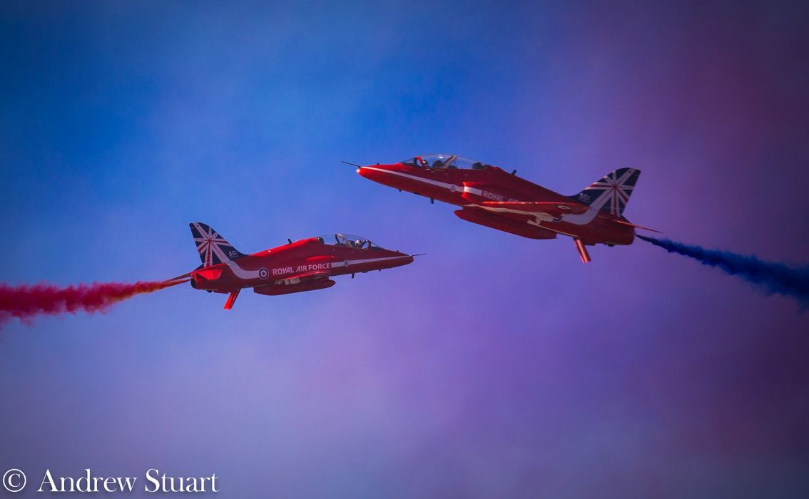 BAE Hawk T Mk1 Red Arrows Jet Team acrobatic Royal Air Force england aircrafts wallpaper
