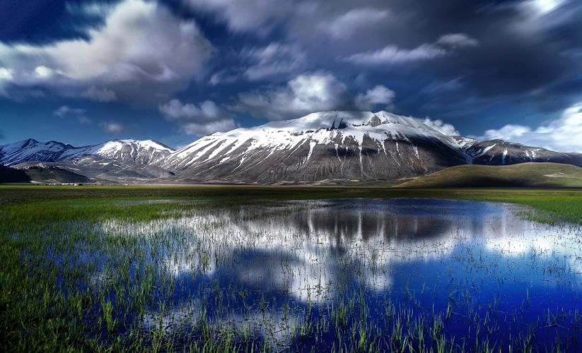 Sibillini National Park Italy mountains volcano lake reflection snow wallpaper