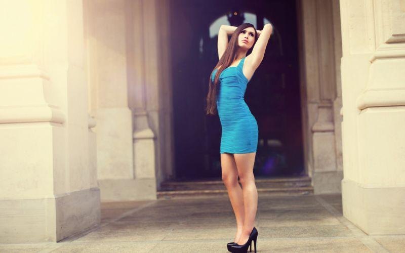 gril brunette model beauty cute dress blue wallpaper