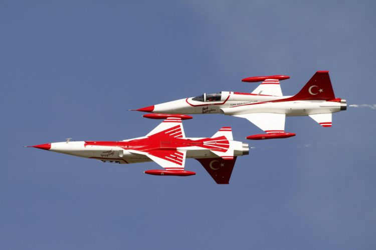 acrobatic Air aircrafts Turkish Stars team Northrop F-5 Freedom Fighter wallpaper