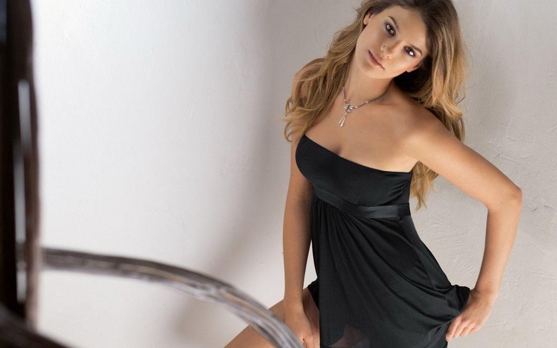 blonde girl beauty cute model wallpaper