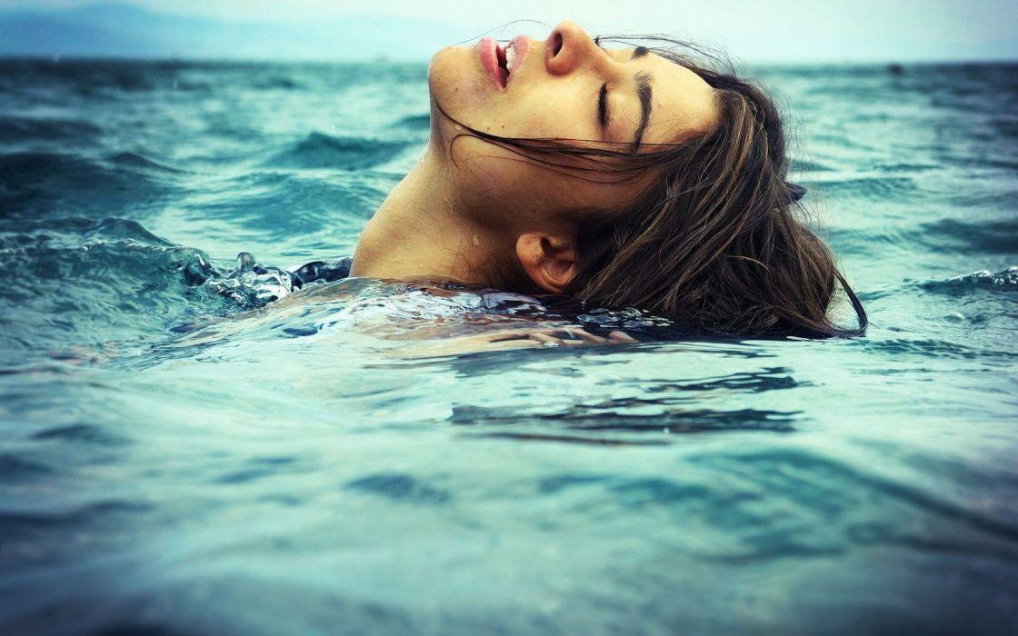 brunette sea girl beauty cute model wallpaper
