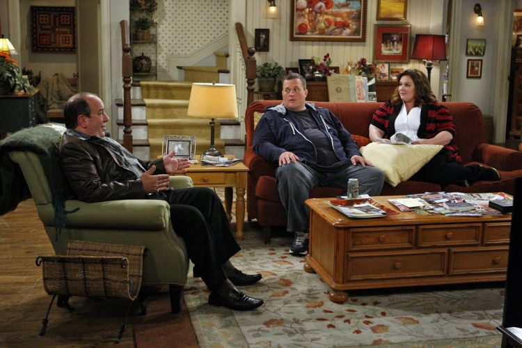 MIKE & MOLLY comedy sitcom series wallpaper