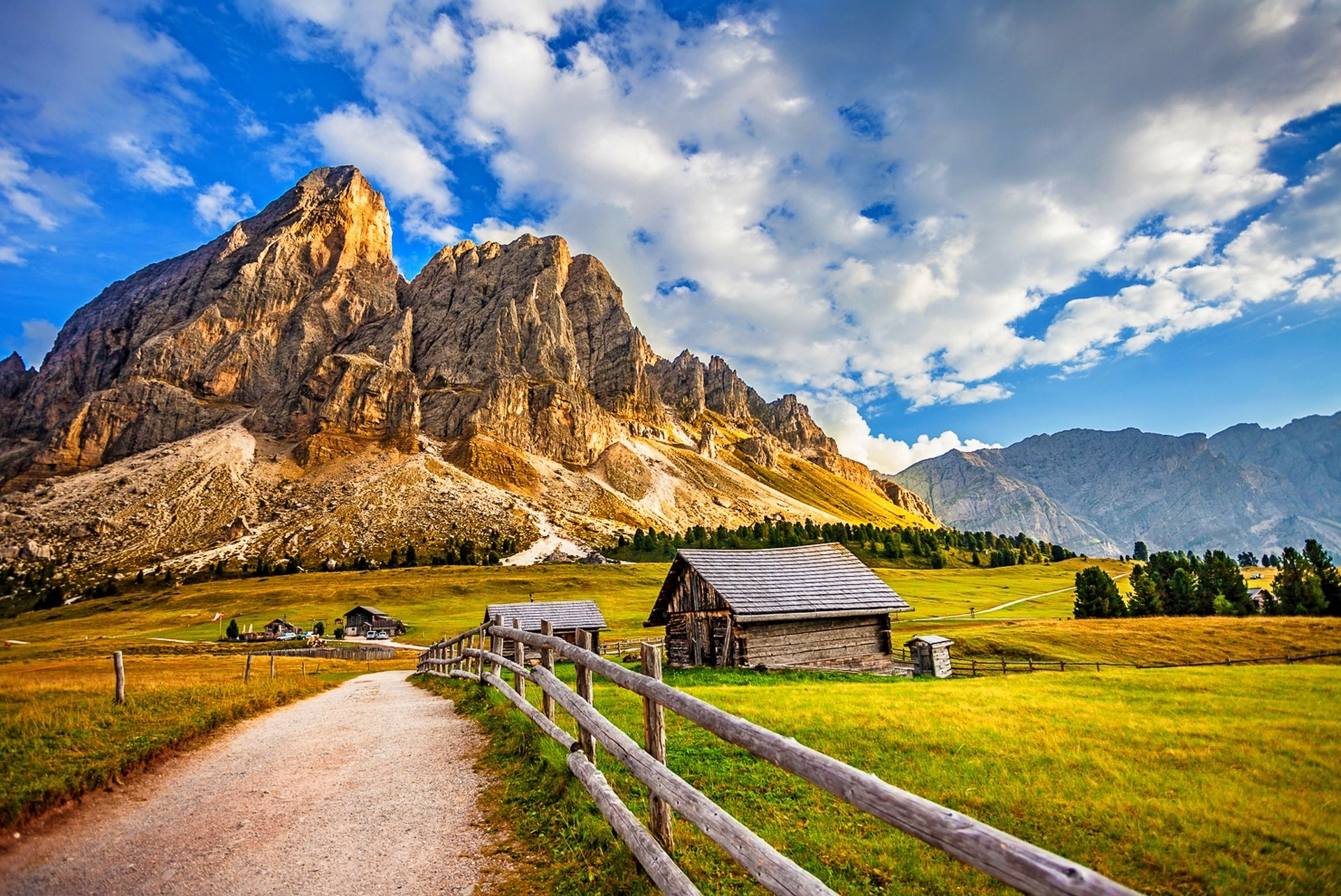 Mountain Village House Old Road Nature Wallpaper
