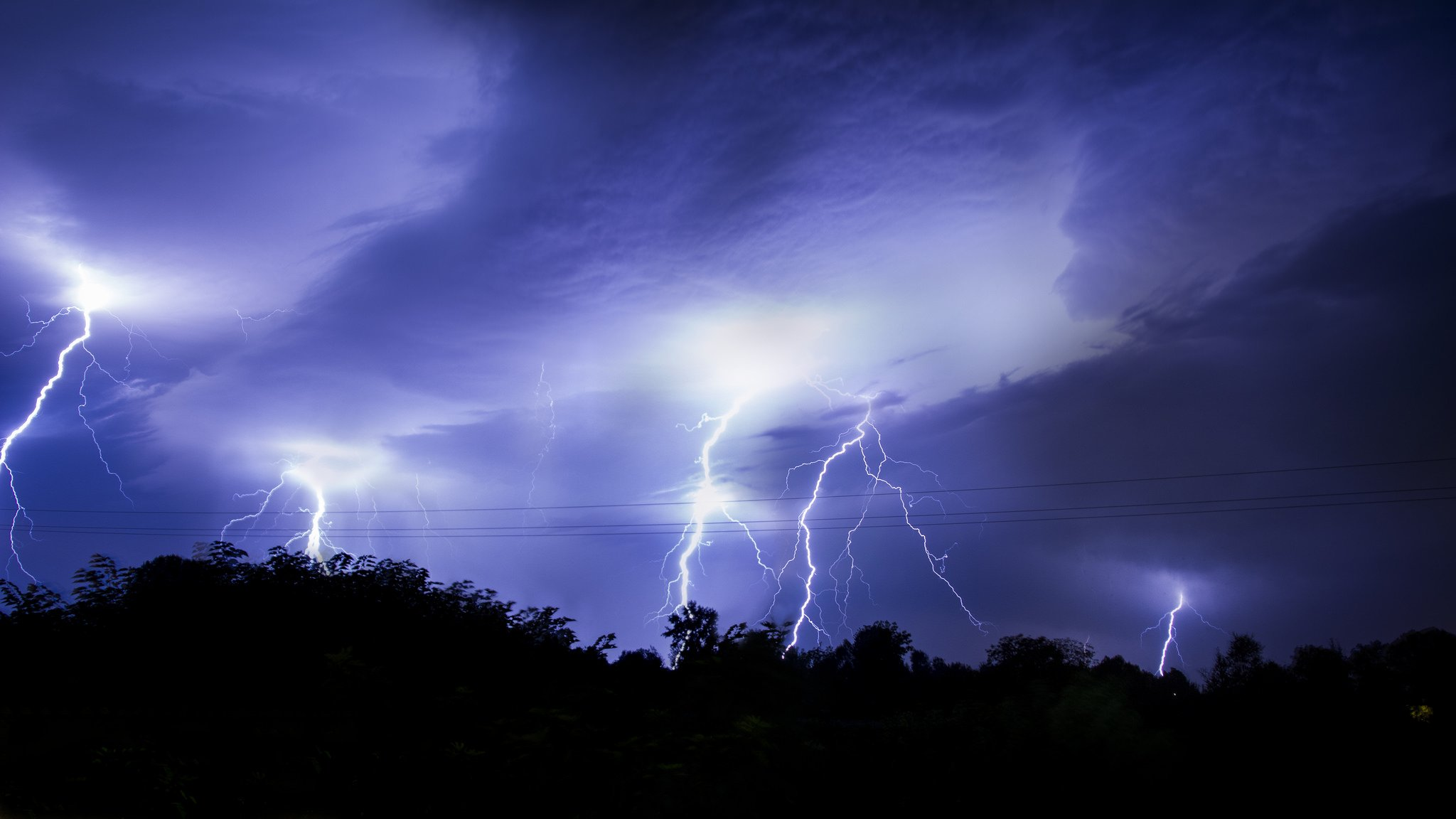 Thunder storn flash lightning sky night eclair nuit foudre nature walppaper wallpaper | 2048x1152 | 445864 | WallpaperUP
