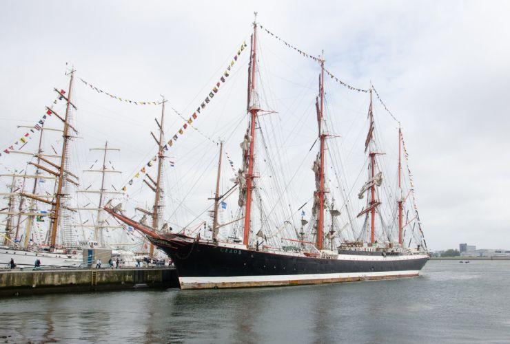 sailing ship Traditional ocean sail armada wallpaper