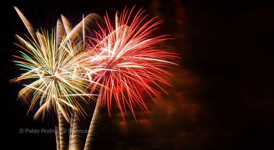 Fireworks feu d'artifice night light sky wallpaper