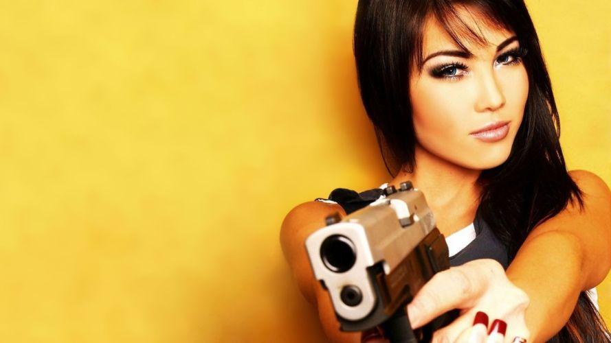 GUN GIRL - brunette-yellow wallpaper