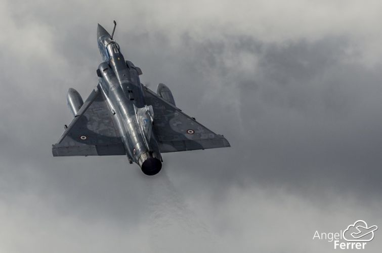 2000 aircraft army attack dassault Fighter jet Military mirage french wallpaper