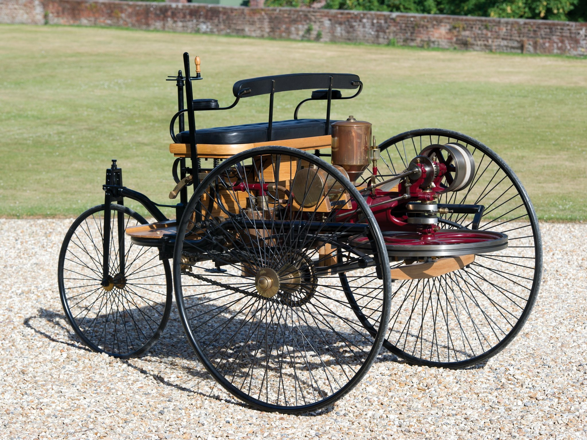 1885 benz patent motorwagen typ i retro wallpaper 2048x1536 452751 wallpaperup. Black Bedroom Furniture Sets. Home Design Ideas
